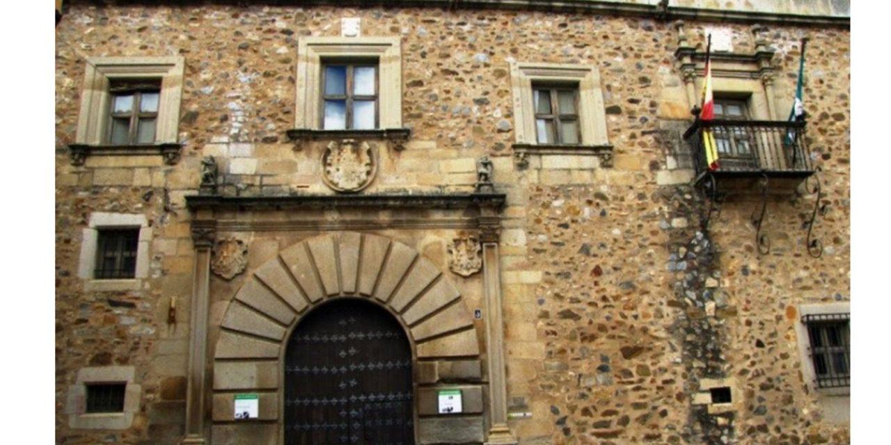 El Cácereño Palacio de Godoy nueva ubicación del colegio Paideuterion